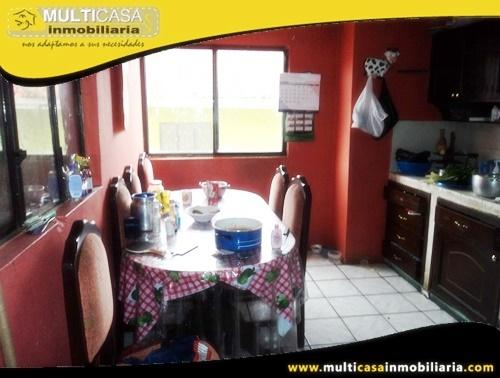 Casa Rentera en Venta Condominio Privado Tres Departamentos Sector Centro de la Ciudad Cuenca-Ecuador