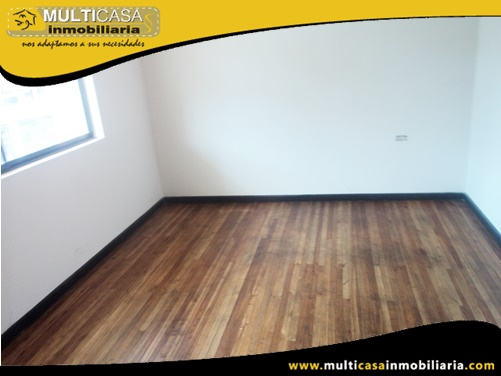 Casa en Venta a Crédito con Local Comercial Sector Centro de la Ciudad Cuenca-Ecuador