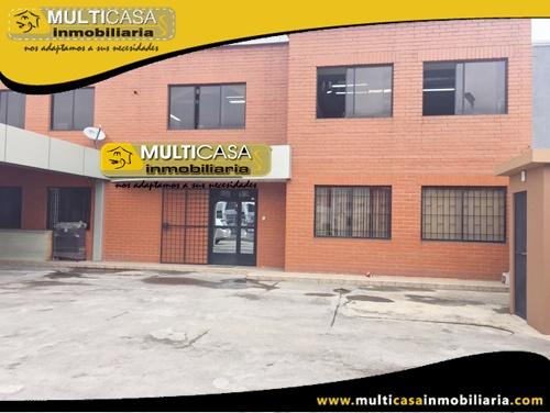 Casa en venta a Crédito ideal para oficinas Sector Aeropuerto Cuenca-Ecuador