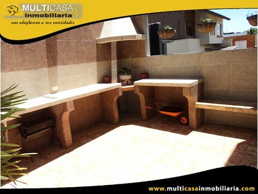 Casa amoblada en Venta a Crédito en Urbanización Privada Sector Challuabamba Cuenca-Ecuador