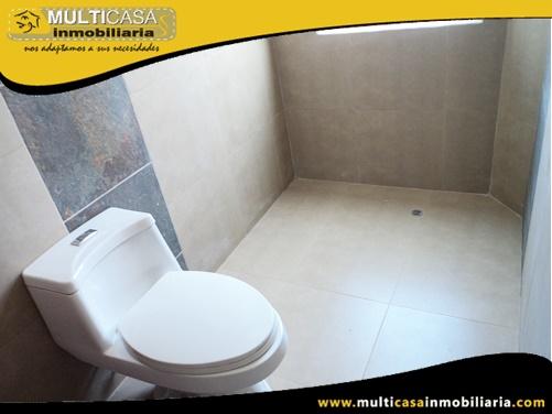 Casa en Venta a Crédito en Condominio Privado Sector Av. Primero de Mayo Cuenca-Ecuador