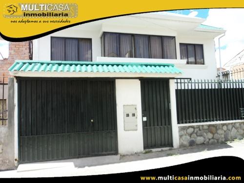 Casa en Venta de Dos Departamentos en Calle de Retorno a Crédito Sector Jardines de San Joaquín Cuenca-Ecuador