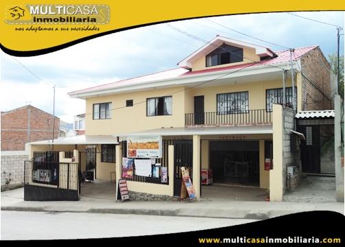 Casa Comercial de Cinco Departamentos en Venta a Crédito Sector El Tejar Cuenca-Ecuador