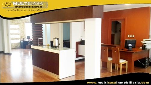 Casa Comercial en Venta a Crédito Sector Ave. 10 de Agosto Cuenca-Ecuador