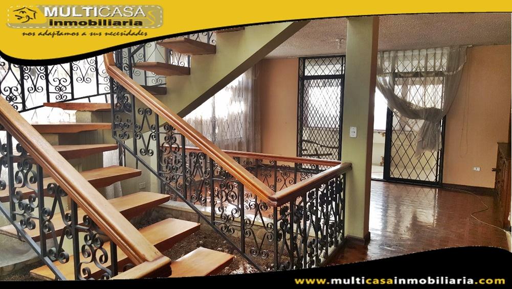 Casa Comercial en Venta a Crédito con Ocho Suits Sector Av. de las Américas Cuenca-Ecuador