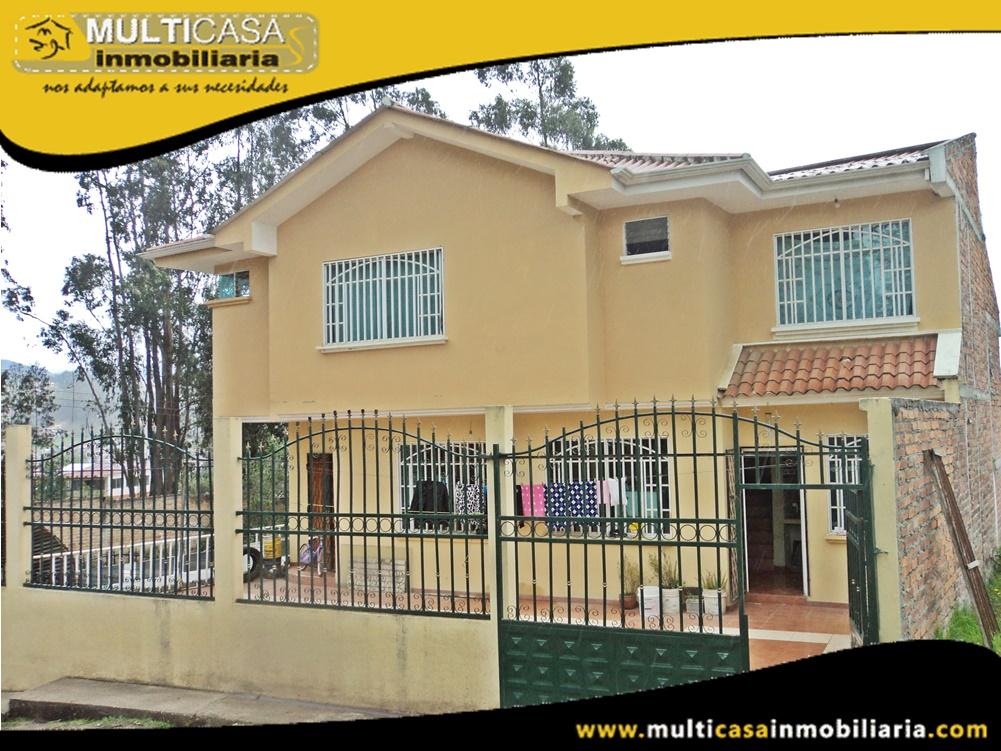 Casa Comercial en Venta a Crédito con Local Sector Colegio Borja Cuenca-Ecuador