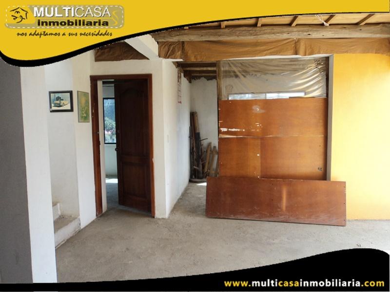 Casa Comercial por Terminar en Venta a Crédito con Local Comercial Sector Ricaurte Cuenca-Ecuador