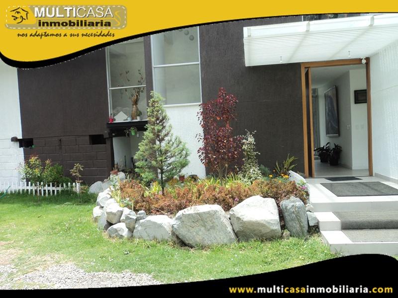 Casa en Venta a Crédito Sector Santa Teresita-Autopista Cuenca-Ecuador