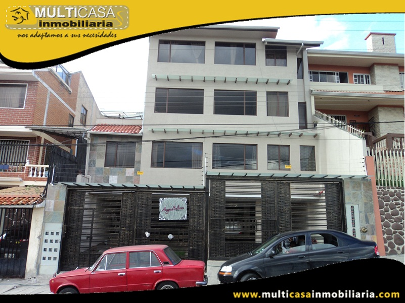 Edificio en Venta a Crédito con Local Comercial Sector Monay Shopping Cuenca-Ecuador
