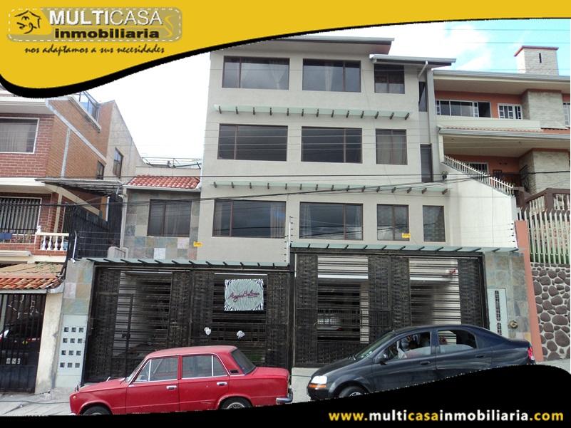 Edificio de diez departamentos en Venta a Crédito con Local Comercial Sector Monay Shopping Cuenca-Ecuador