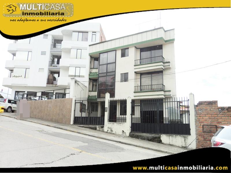 Edificio en venta a Crédito con Local Comercial Sector Av. de las Américas Cuenca-Ecuador