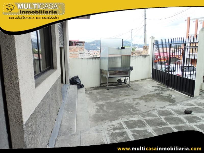 Edificio de Siete Departamentos con Local Comercial en venta a Crédito Sector Av. de las Américas Cuenca-Ecuador
