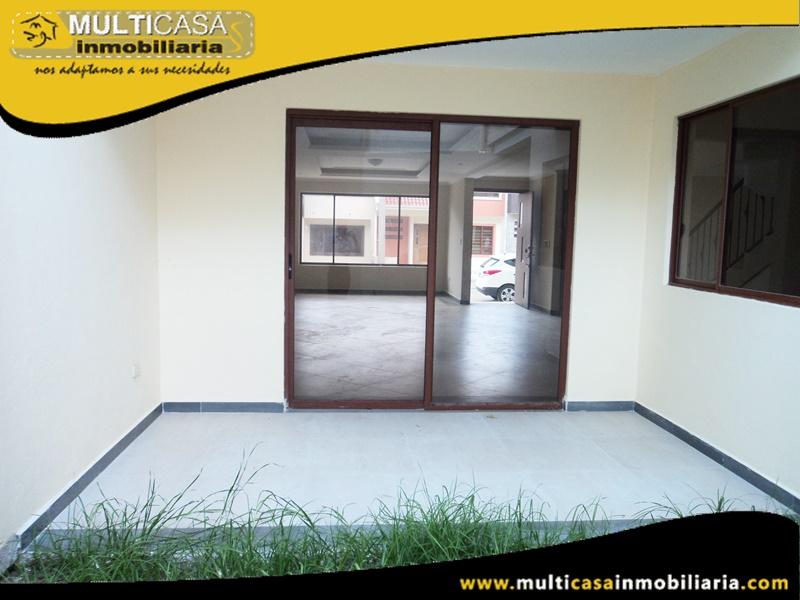 Casa en Venta a Crédito en Condominio Privado Sector Ordoñez Lasso Cuenca-Ecuador
