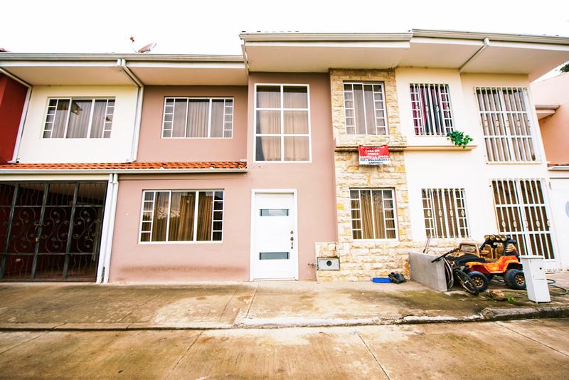 Casa de venta en Condominio sector Colegio Sudamericano (Ricaurte)