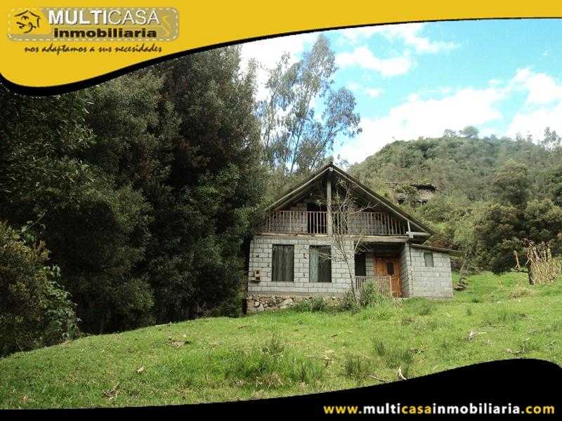 Casa con Terreno en Venta a Crédito Sector Santa Ana- El Valle Cuenca-Ecuador