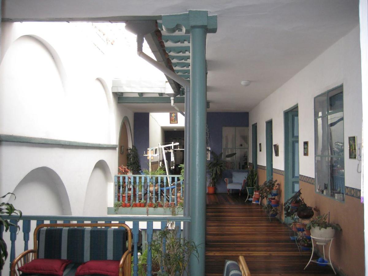 Casa Comercial (posibilidad Hostal) Centro de Cuenca