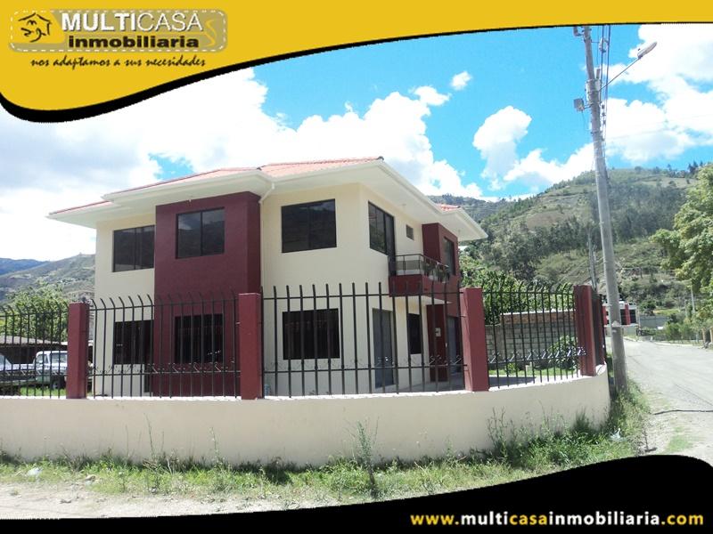 Casa Comercial en Venta a Crédito Sector Paute-Ecuador