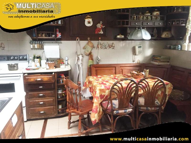 Casa Comercial en Venta a Crédito Sector Av. Primero Mayo Cuenca-Ecuador