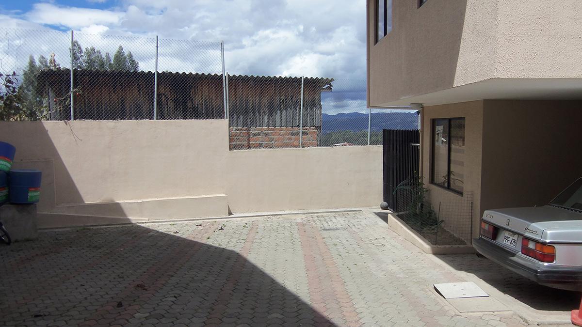 Casa de Venta en Condominio Girasoles N° 16 al Este de Cuenca