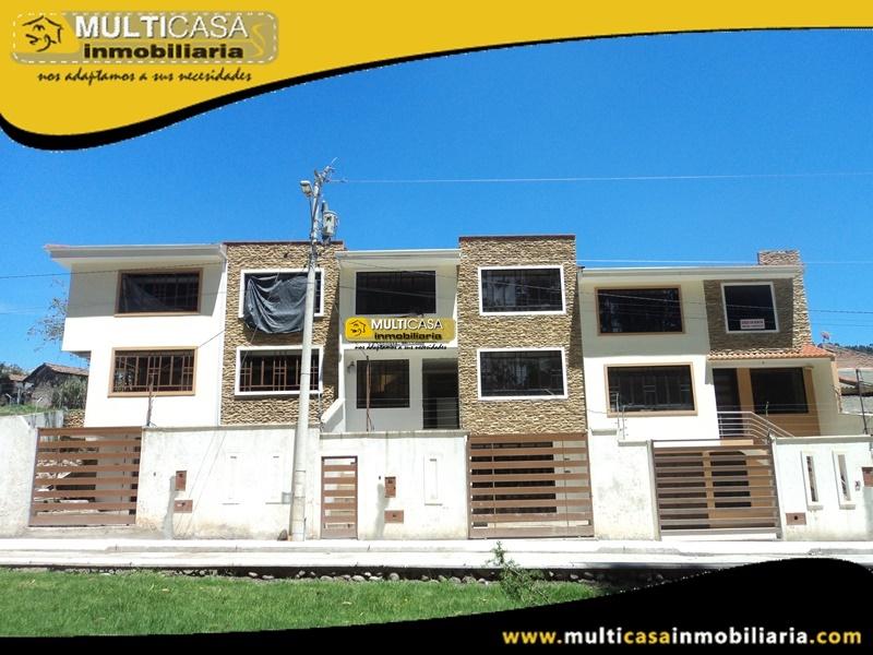 Casa en Venta de Dos Departamentos en Condominio Privado Sector Miraflores Cuenca-Ecuador