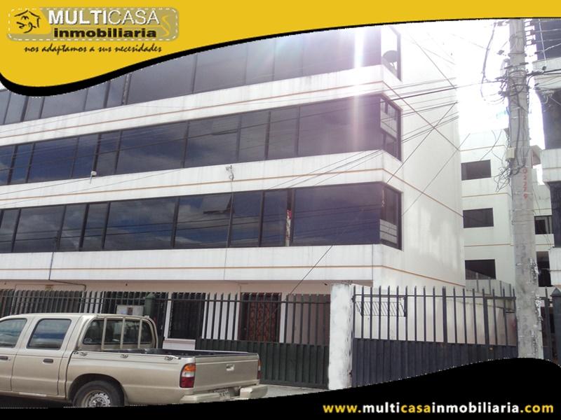 Edificio en Venta a Crédito de Cuatro Departamentos Sector Quinta Chica Cuenca-Ecuador