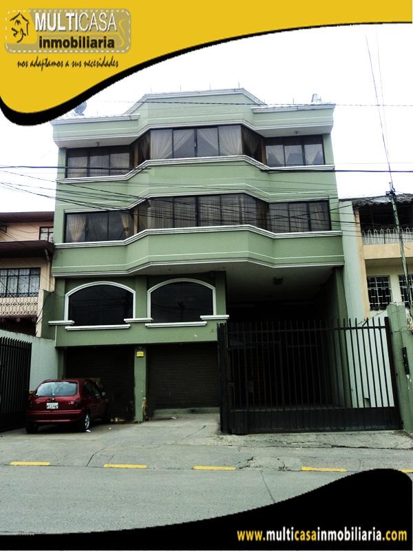 Edificio en Venta a Crédito de Tres Departamentos y Un Local Comercial Sector Héroes de Verdeloma Cuenca - Ecuador