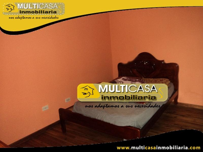 Casa en Venta a Crédito de Dos Departamentos y Dos Suites Sector Narancay Alto Cuenca - Ecuador