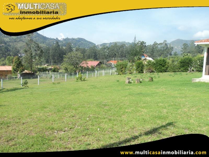 Casa con Terreno en Venta a Crédito Sector Zhullin Azogues-Ecuador