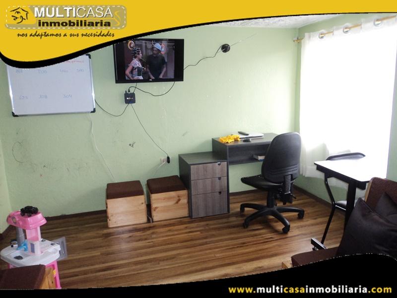 Casa de Tres Departamentos en Venta a Crédito Sector Totoracocha Cuenca-Ecuador
