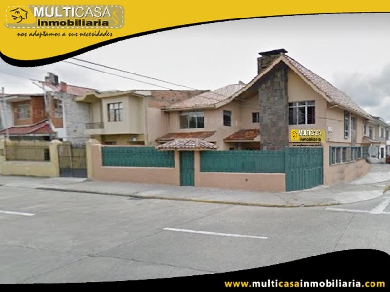 Venta de Casa Comercial a Crédito Sector Mercado 12 de Abril Cuenca-Ecuador