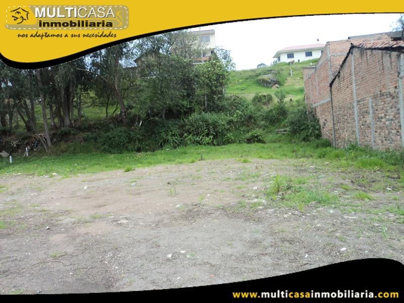 Terreno Comercial de 847 m2 en Venta a Crédito Sector Medio Ejido-Autopista Cuenca-Ecuador