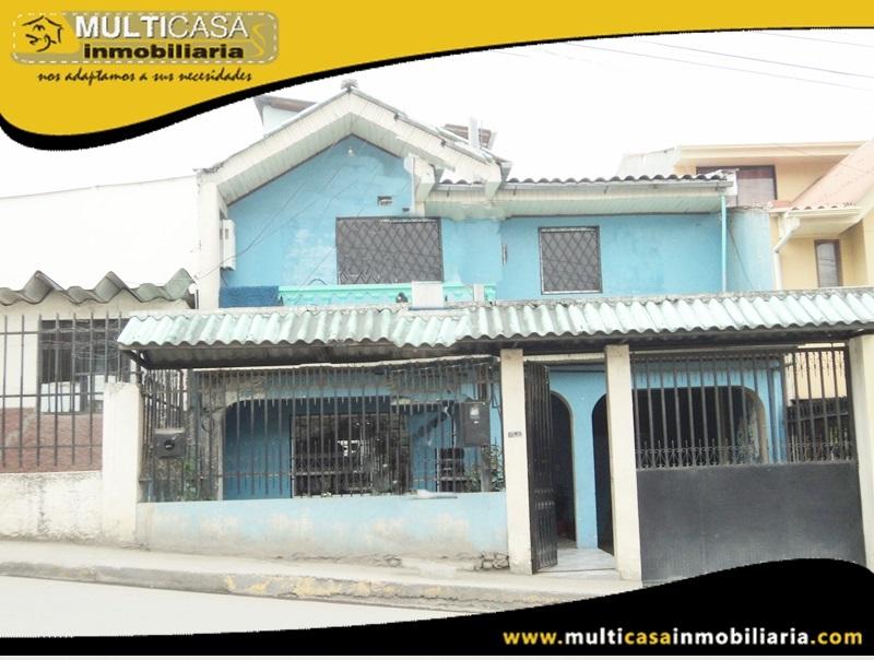 Casa Comercial en Venta a Crédito Sector Centro de Azogues-Ecuador