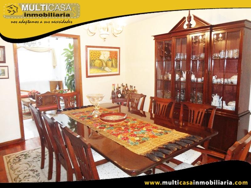 Casa Comercial en Venta a Crédito Sector Calle Arrayanes y Alamos Cuenca-Ecuador