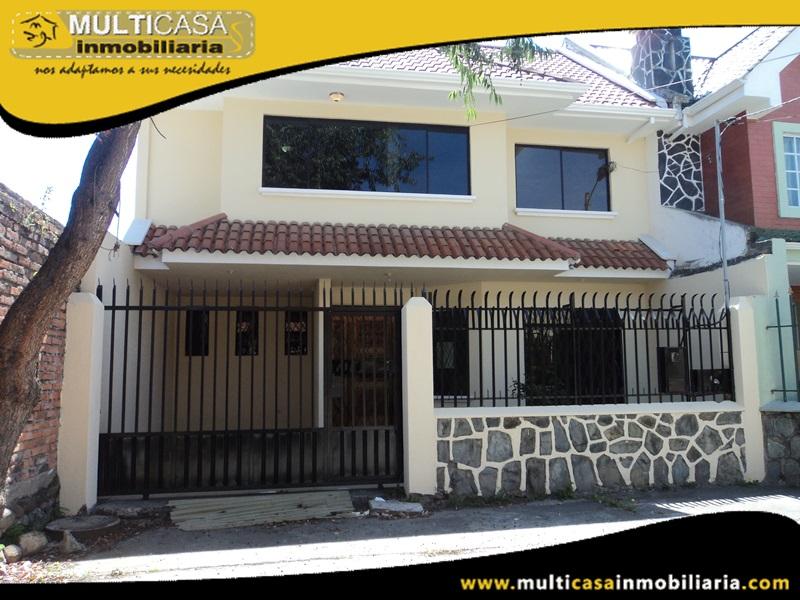 Casa en Venta a Crédito Sector Cdla. Simón Bolívar Cuenca-Ecuador
