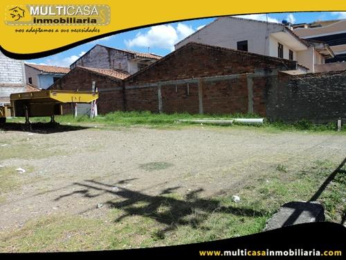 Terreno Comercial con Casa de dos departamentos en Venta a Crédito Sector Totoracocha Cuenca-Ecuador