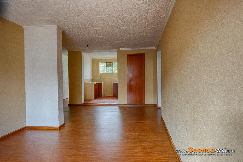 Arriendo Departamento REMODELADO de 3 Dormitorios Sector Iglesia Corazon de Jesus Precio $250