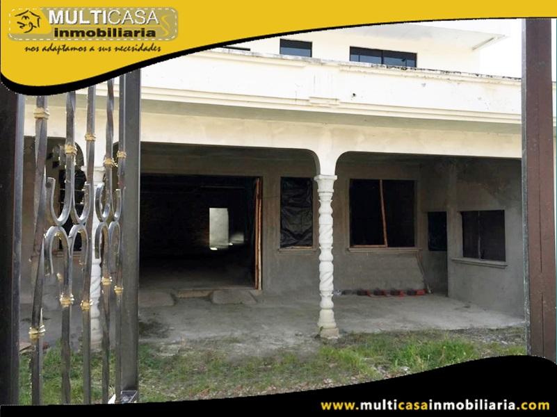 Casa de Tres departamentos y un local Comercial en Venta a Crédito (Por terminar Primera Planta) Sector Rio Amarillo- Cuenca-Ecuador
