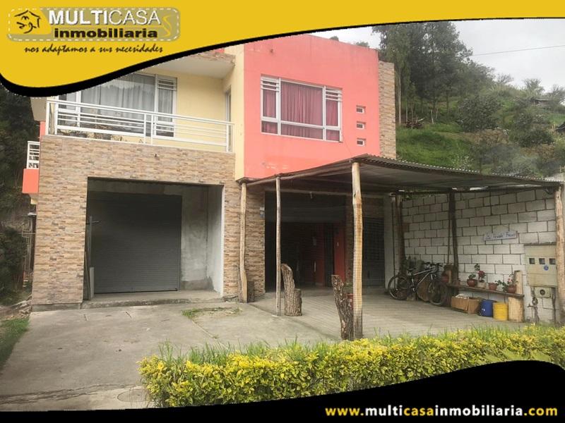 Casa de Dos locales Comerciales y Un departamento en Venta a Crédito Sector Pirincay Paute-Ecuador