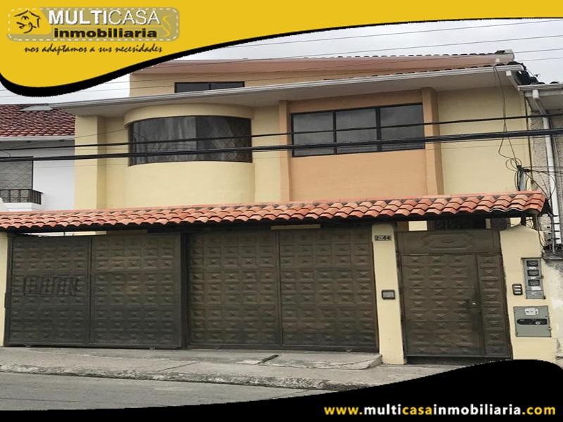 Casa de Cuatro departamentos en Venta a Crédito Sector Huayna-Capac Cuenca-Ecuador