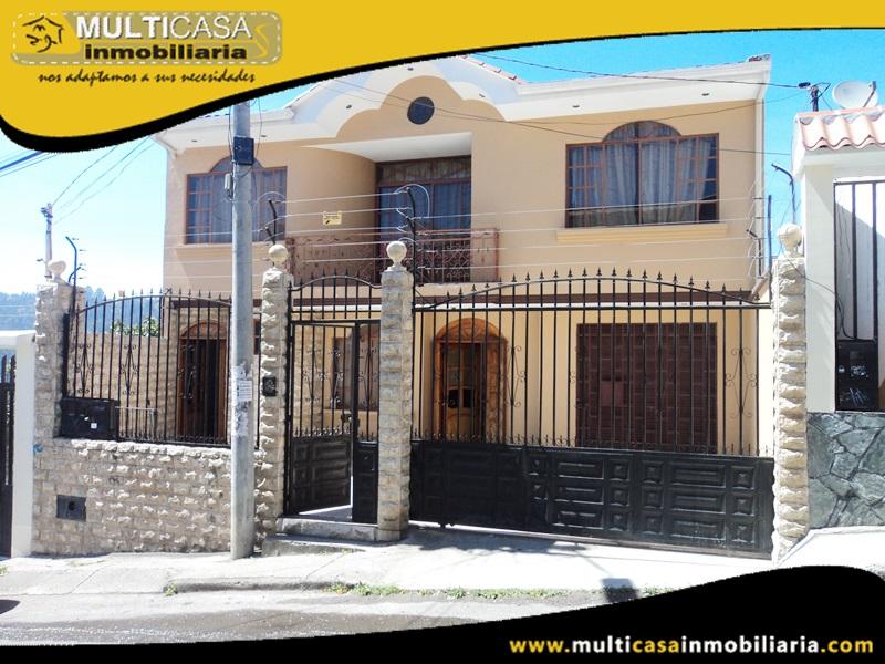 Casa con Local Comercial y Un departamento en Venta a Crédito Sector Quinta Chica Baja Cuenca Ecuador