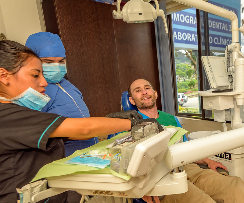 Find Health in Ecuador Dental Clinic
