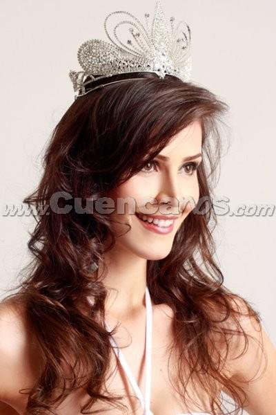 Miss Continente Americano 2008 .- Son 21 bellas mujeres de distintos países de Hispanoamericana que buscarán la corona de Miss Continente Americano, el cual tendrá lugar en Guayaquil, Ecuador el próximo 6 de septiembre . Entre ellas, la brasileña Cyntia de Oliviera, quién cuenta con el Título de belleza: Miss Goias, Miss Brasil Continente Americano 2008. Tiene 25 años de edad y su Estatura es de 1,80