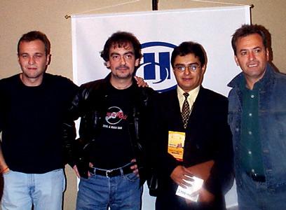 Concierto Hombres G en Cuenca .- Enrique Rodas de Cuencanos.com acompañado de Rafa Gutiérrez primera guitarra de Hombres G