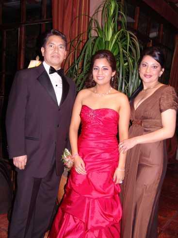 Quince A�os Daniela Narvaez .- Patricio Narvaez, Daniela Narvaez, Sandra de Narvaez