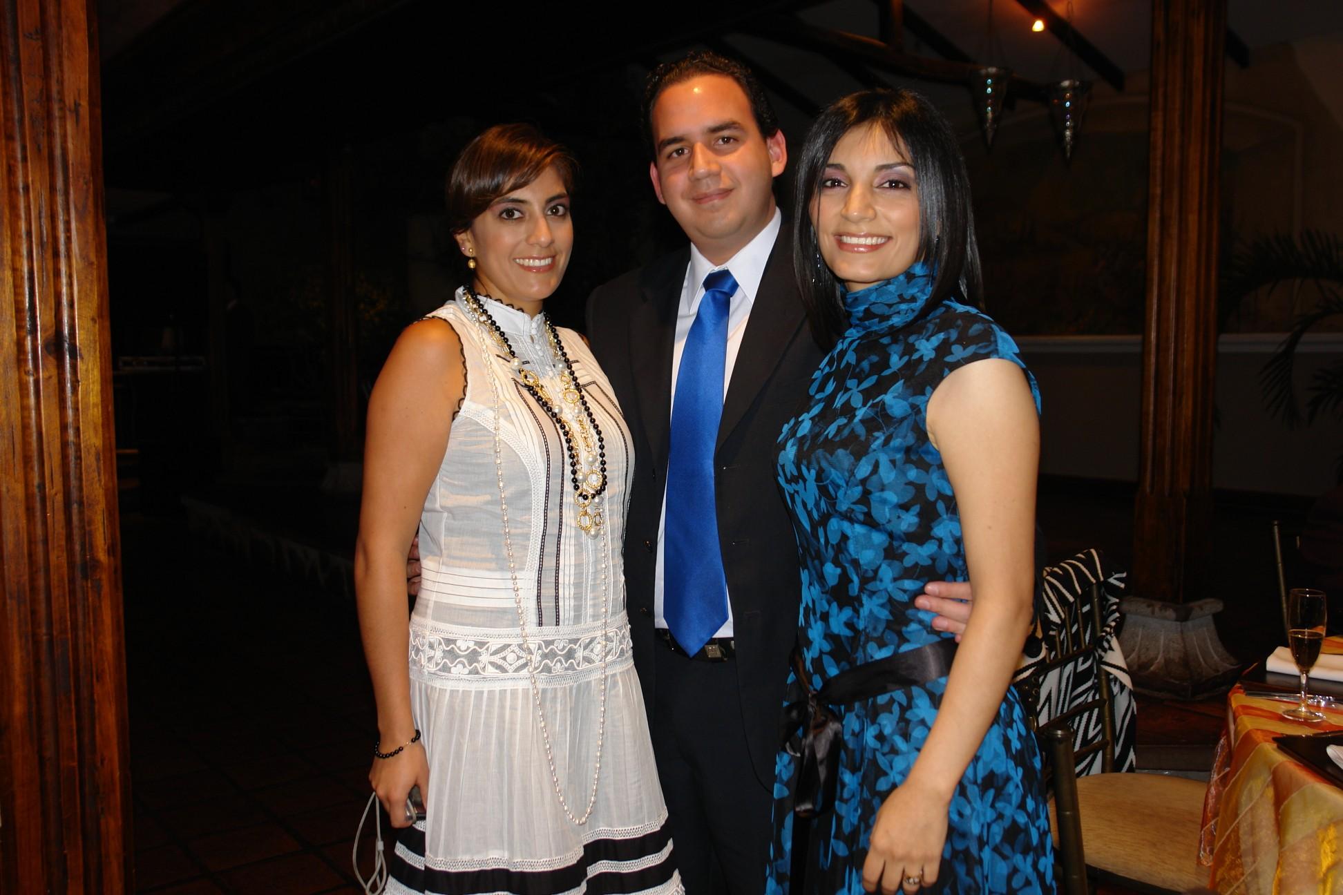 Noemi Paredes, Cesar Guzman, Gabriela Sotomayor .-