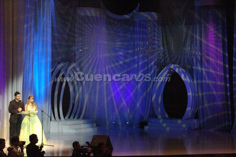 Presentadores del Certamen .- El evento contó con la animación de la presentadora de Unsión, Karina Crespo y el bailarín Juan Sebastián López más conocido como Juancho. Ellos condujeron el certamen, en el que además se proyectó los atractivos turísticos de cada cantón.