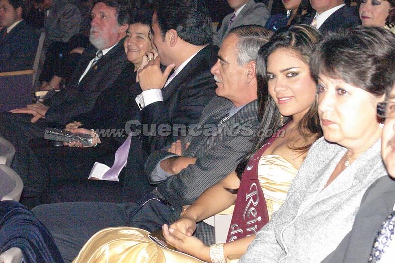 Reina del Azuay 2007 .- Anggie Barzallo, Reina del Azuay 2007, estuvo presente en el acto, y difrutando sus ultimos minutos como Reina del Azuay