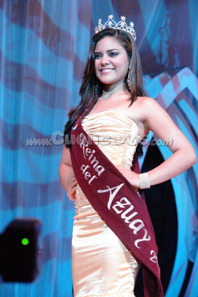 Anggie Barzallo .- Anggie Barzallo, en su ultimo desfile como Reina del Azuay 2007