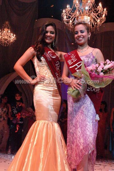 Reina del Azuay 2008 .- Anggie Barzallo junto a la nueva Reina del Azuay, Belén Arichávala