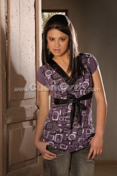 Tatiana Segovia .- 17 años En representación de Gualaceo